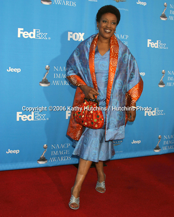 Davetta Sherwood.The Young and the Restless.37th NAACP Image Awards.Shrine Auditorium.Los Angeles, CA.February 25, 2006.©2006 Kathy Hutchins / Hutchins Photo....