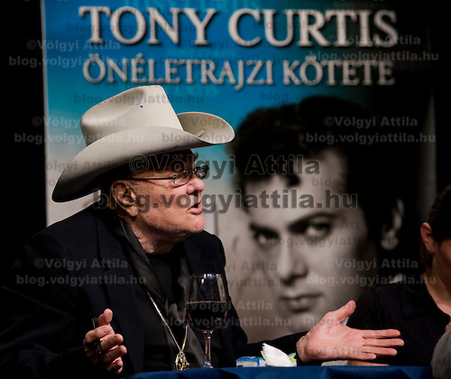 US actor Tony Curtis Hungarian in origin presents his auto-biographic book of younghood during a International Book Festival.