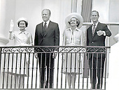 United States President Gerald R. Ford welcomes Her Royal Highness Queen Elizabeth II of Great Britain to the White House in Washington, D.C. on July 7, 1976.  From left to right: Queen Elizabeth II, President Ford, first lady Betty Ford, and the Duke of Edinborough.  <br /> Credit: Barry Soorenko  / CNP