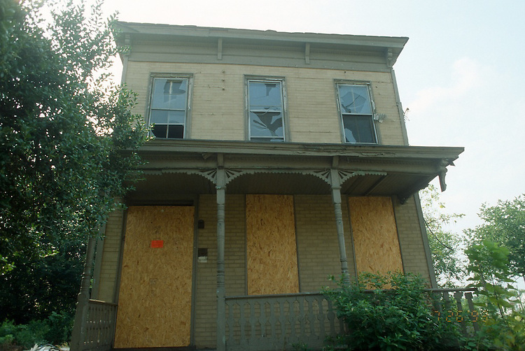 1993 July 26..Conservation.Central Brambleton..ACQUISITION.612 MARSHALL AVENUE...NEG#.NRHA#..