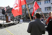 Gross-Gerau 01.05.2016: Maikundgebung des DGB-Ortsverein Gro&szlig;-Gerau, Sandb&ouml;hl<br /> Hauptredner Kai Eicker-Wolf bei der Maikundgebung des DGB-Ortsverbands Gro&szlig;-Gerau auf dem Sandb&ouml;hl<br /> Foto: Vollformat/Marc Sch&uuml;ler, Sch&auml;fergasse 5, 65428 R'eim, Fon 0151/11654988, Bankverbindung KSKGG BLZ. 50852553 , KTO. 16003352. Alle Honorare zzgl. 7% MwSt.