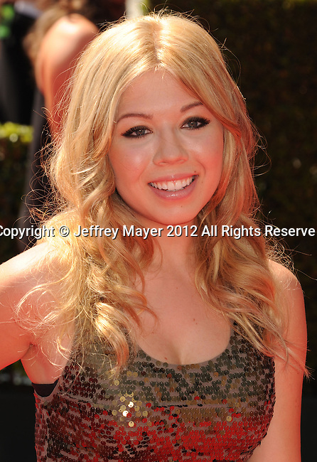LOS ANGELES, CA - SEPTEMBER 15: Jennette McCurdy arrives at the 2012 Primetime Creative Arts Emmy Awards at Nokia Theatre L.A. Live on September 15, 2012 in Los Angeles, California.