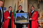 At the freedom of the town being conferred on Fr. Iggy O'Donovan in the Highlanes Gallery in Drogheda by Members of the Drogheda Borough Council.<br /> Picture: Fran Caffrey www.newsfile.ie