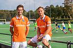 BLOEMENDAAL - Florian Fuchs (Bldaal) met Roel Bovendeert (Bldaal) . Heren I van HC Bloemendaal , seizoen 2019/2020.   COPYRIGHT KOEN SUYK