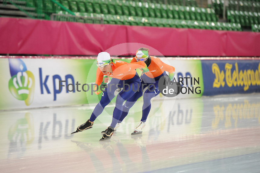 SCHAATSEN: HAMAR: Vikingskipet, 15-02-2013, Essent ISU WK allround, Season 2012-2013, Training, Marrit Leenstra (NED), Marije Joling (NED), ©foto Martin de Jong