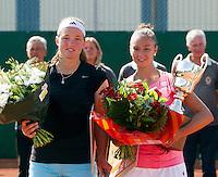 20-08-11, Tennis, Amstelveen, Nationale Tennis Kampioenschappen, NTK, Angelique van der Meet, finaliste en Lesley Kerkhove winnares(R)