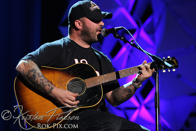 Aaron Lewis performing at The Station nightclub fire benefit concert on February 25, 2008.