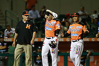 Yunesky Sanchez de naranjeros se adolese de una lesión , durante el juego de beisbol de Naranjeros vs Cañeros durante la primera serie de la Liga Mexicana del Pacifico.<br /> 15 octubre 2013