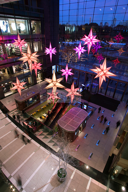 CHRISTMAS STARS ATRIUM TIME WARNER CENTER COLUMBUS CIRCLE MANHATTAN NEW YORK CITY USA