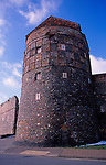 A752PA Medieval tower and town wall Great yarmouth Norfolk England
