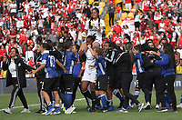 BOGOTÁ- COLOMBIA, 01-09-2019:Jugadoras de Millonarios femenino celebran su paso a la semifinal al vencer en penaltys al  Independiente Santa Fe femenino    durante partido por los cuartos de final  de la Liga Águila  femenina  2019 jugado en el estadio Nemesio Camacho El Campín  de la ciudad de Bogotá. /<br /> Millonarios players celebrate their passage to the semifinal by beating the Santa Fe Independiente on penalties during the match for the quarter finals of the Liga Aguila II 2019 played at the Nemesio Camacho El Campin  stadium in Bogota city. Photo: VizzorImage / Felipe Caicedo / Staff