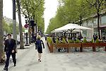 FRANCE - PARIS - 25 April 2002--Paris cafes with terraces on the Avenue Champs ?lys?e.. -- PHOTO: JUHA ROININEN / EUP-IMAGES
