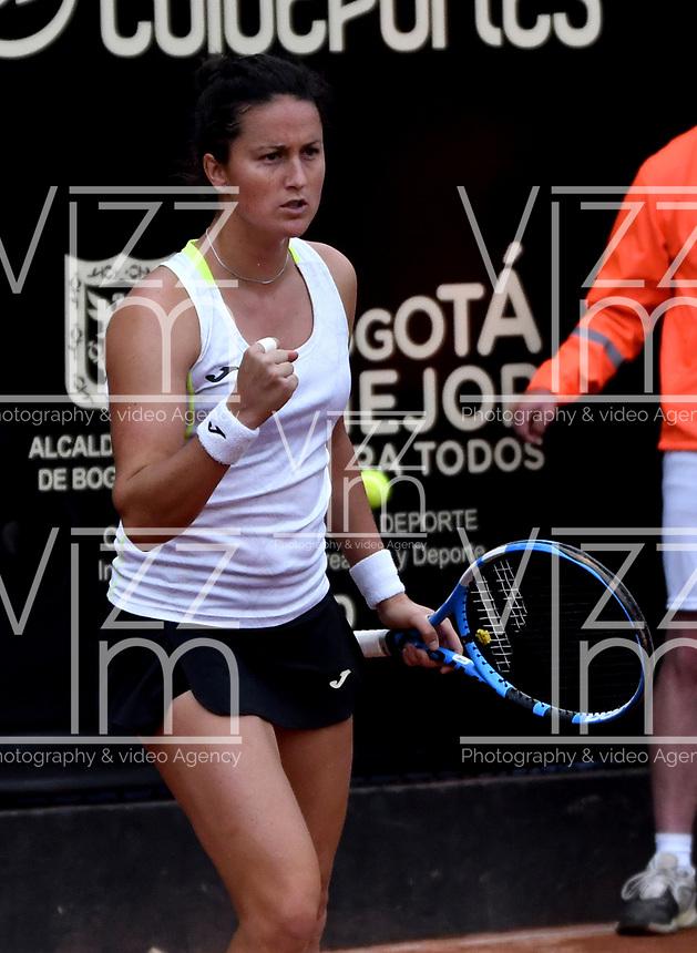 BOGOTÁ-COLOMBIA, 13-04-2019: Lara Arruabarrena (ESP), celebra el punto ganado a Astra Sharma (AUS), durante partido por la semifinal del Claro Colsanitas WTA, que se realiza en el Carmel Club en la ciudad de Bogotá. / Lara Arruabarrena (SPA), celebrates the point won to Astra Sharma (AUS), during a match for the semifinal of the WTA Claro Colsanitas, which takes place at Carmel Club in Bogota city. / Photo: VizzorImage / Luis Ramírez / Staff.