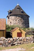 Lille T&aring;rn (Kleiner Turm) auf Frederiks&oslash;, Ertholmene (Erbseninseln) bei Bornholm, D&auml;nemark, Europa<br /> Lille T&aring;rn (little tower) on Frederiks&oslash;, Ertholmene, Isle of Bornholm Denmark