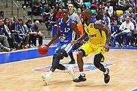 Isaac Bonga (Fraport Skyliners) gegen Bryon Allen (EWE Baskets Oldenburg) - 05.11.2017: Fraport Skyliners vs. EWE Baskets Oldenburg, Fraport Arena Frankfurt