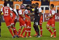 TUNJA -COLOMBIA, 30-01-2016. Jugadores de Independiente Santa Fe celebran después de anotar un gol a Boyacá Chicó durante partido por la fecha 1 Liga Águila I 2016 realizado en el estadio La Independencia en Tunja. / Players of Millonarios celebrate a goal against Boyaca Chico during match for the date 1 of Aguila League I 2016 played at La Independencia stadium in Tunja. Photo: VizzorImage/César Melgarejo/Cont