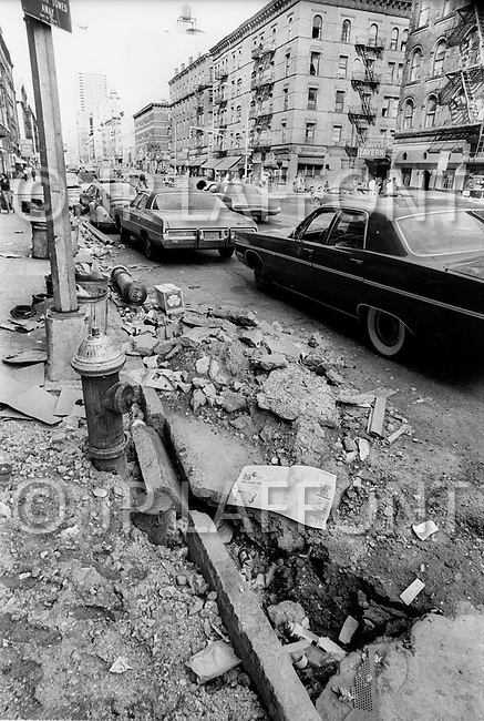 New York City, October 1975. Upper West Side on Columbus Avenue. Economic depression in NYC.