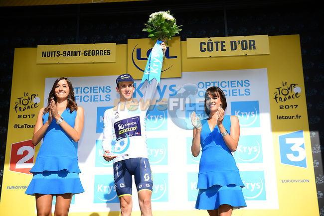 Simon Yates (GBR) Orica-Scott retains the White Jersey at the end of Stage 7 of the 104th edition of the Tour de France 2017, running 213.5km from Troyes to Nuits-Saint-Georges, France. 7th July 2017.<br /> Picture: ASO/Alex Broadway | Cyclefile<br /> <br /> <br /> All photos usage must carry mandatory copyright credit (&copy; Cyclefile | ASO/Alex Broadway)