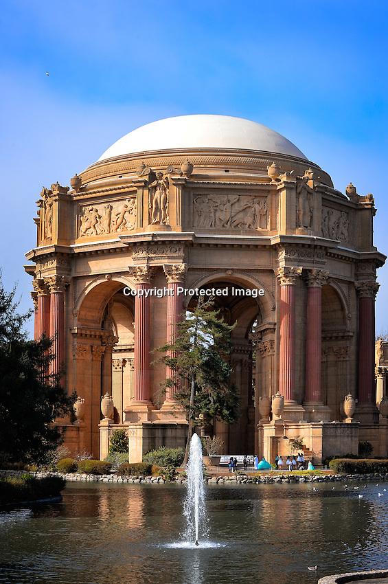 Oct 25, 2015; 1:30:21 PM; San Francisco, CA, USA;  Mandatory Credit:(thesportswire.net)