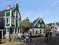 Zaanstad-   Zaanse Schans. Openluchtmuseum aan de Zaan.