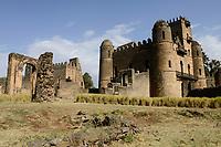 ETHIOPIA , Gondar, Fasil Ghebbi , UNESCO heritage world site, fort and palace of King Fasiledas from 16.-17. century / AETHIOPIEN, Gonder, Fasil Ghebbi ist eine Festungsstadt und gehoert zum UNESCO- Weltkulturerbe, Fasiledas Festung und Palast, Im 16. und 17. Jahrhundert war die Stadt Residenz des aethiopischen Kaisers Fasilidas