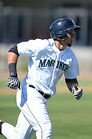 Seattle Mariners first baseman Yordyn Calderon (3) during an Instructional League game against the Milwaukee Brewers on October 4, 2014 at Peoria Stadium Training Complex in Peoria, Arizona.  (Mike Janes/Four Seam Images)