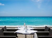 France, Provence-Alpes-Côte d'Azur, Menton: seaside restaurant at Promenade du Soleil | Frankreich, Provence-Alpes-Côte d'Azur, Menton: Restaurant an der Promenade du Soleil mit Meerblick