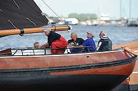 SKUTSJESILEN: DE VEENHOOP: Wide Ie, 30-07-2012, SKS skûtsjesilen, wedstrijd De Veenhoop, skûtsje d'Halve Maen Drachten, schipper Berend Mink, ©foto Martin de Jong