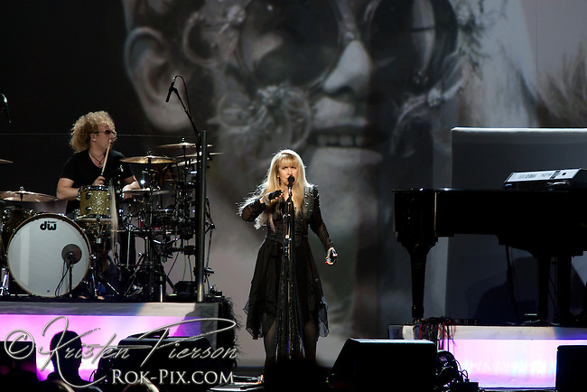 Stevie Nicks performs at Mohegan Sun Arena, July 12, 2012