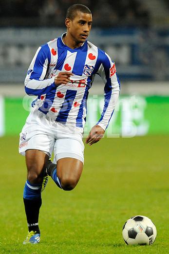 HEERENVEEN - Voetbal, SC Heerenveen - FC Oss, knvb beker,  Abe Lenstra stadion, seizoen 2011-2012, 21-12-2011 SC Heerenveen speler Luciano Narsingh.