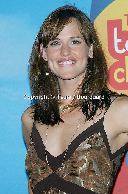 Jennifer Garner  at The Teen Choice Awards 2004 at the Universal Amphitheatre in Los Angeles. August 8, 2004