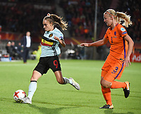 20170724 - TILBURG , NETHERLANDS : Belgian Tessa Wullaert (L) and Dutch Stephanie van der Gragt (R)   pictured during the female soccer game between Belgium and The Netherlands  , the thirth game in group A at the Women's Euro 2017 , European Championship in The Netherlands 2017 , Monday 24 th June 2017 at Stadion Koning Willem II  in Tilburg , The Netherlands PHOTO SPORTPIX.BE | DIRK VUYLSTEKE