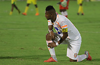 NEIVA - COLOMBIA, 13-09-2015: Luis Angel Rodriguez del Envigado luce decepcionado después del partido entre Atlético Huila y Envigado F.C. por la fecha 17 de la Liga Águila II 2018 jugado en el estadio Guillermo Plazas Alcid de la ciudad de Neiva. / Luis Angel Rodriguez of Envigado F.C. loks disappointed after the the match between Atletico Huila and Envigado F.C. for the date 17 of the Aguila League II 2018 played at Guillermo Plazas Alcid in Neiva city. VizzorImage / Sergio Reyes / Cont