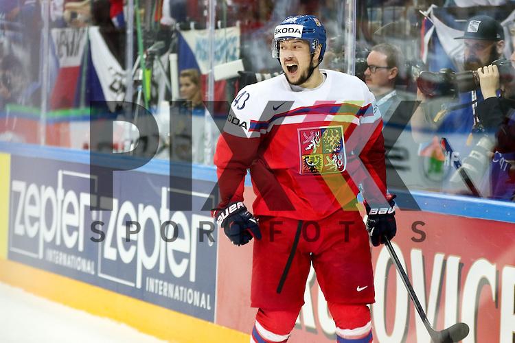 Torjubel Tschechiens Kovar, Jan (Nr.43)(Metallurg Magnitogorsk)  im Spiel IIHF WC15 Czech Republic vs. Finland.<br /> <br /> Foto &copy; P-I-X.org *** Foto ist honorarpflichtig! *** Auf Anfrage in hoeherer Qualitaet/Aufloesung. Belegexemplar erbeten. Veroeffentlichung ausschliesslich fuer journalistisch-publizistische Zwecke. For editorial use only.