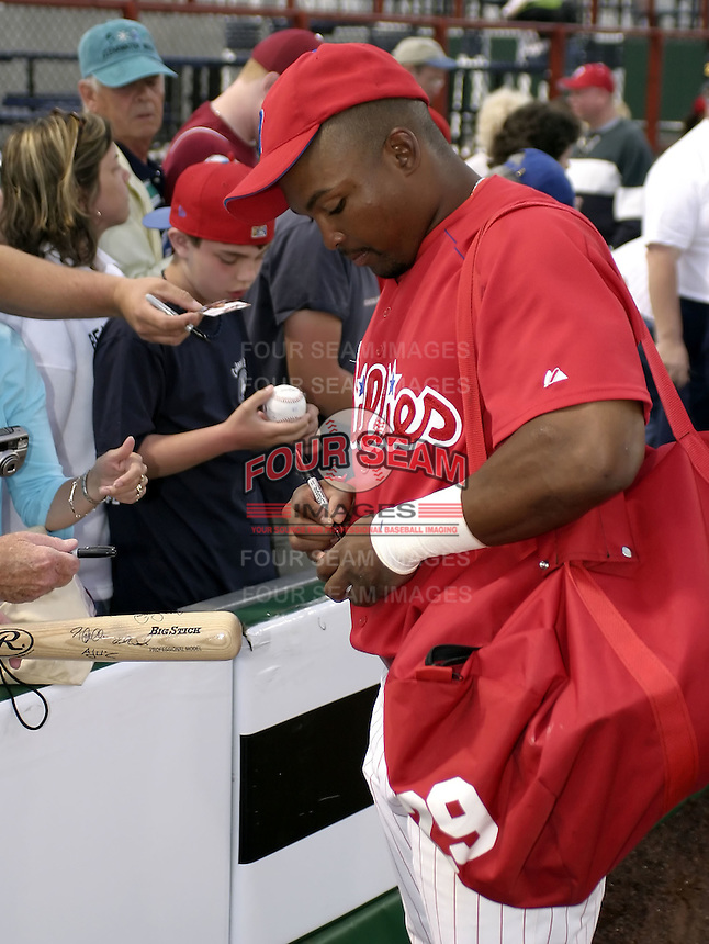 March 29, 2004:  Marlon Byrd of the Philadelphia Phillies organization during Spring Training at Bright House Networks Field in Clearwater, FL.  Photo by:  Mike Janes/Four Seam Images