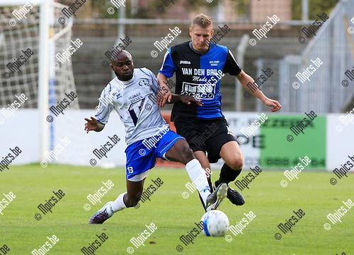 2010-08-18 / Voetbal / seizoen 2009-2010 / Rupel-Boom - KV Tienen / Wesley Snoeys (r, Rupel-Boom) met Nahimana..Foto: Mpics