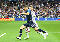 Lucas Hernandez (Frankreich, France) gegen Timo Werner (Deutschland Germany) - 16.10.2018: Frankreich vs. Deutschland, 4. Spieltag UEFA Nations League, Stade de France, DISCLAIMER: DFB regulations prohibit any use of photographs as image sequences and/or quasi-video.