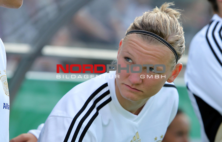 03.06.2011, Osnatel Arena, Osnabrueck, GER, WM 2012 FSP,  Deutschland (GER) vs Italien (ITA), <br /> im Bild Alexandra Popp (GER) during the WM 2011 Friendly Game, Germany vs Italy, at Osnatel Arena, Osnabr&uuml;ck, 2011-06-03, <br /> Foto &copy; nph / Hessland *** Local Caption ***