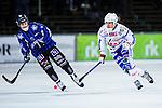 Uppsala 2013-11-13 Bandy Elitserien IK Sirius - IFK Kung&auml;lv :  <br /> Kung&auml;lv Fredrik Johansson i kamp om bollen med Sirius Patrik Eidenert <br /> (Foto: Kenta J&ouml;nsson) Nyckelord: