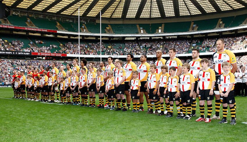Photo: Richard Lane/Richard Lane Photography. London Wasps v Bath Rugby. Aviva Premiership. St George's Day  Game. 23/04/2011. Wasps team line up.