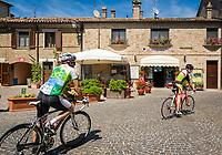 Italien, Marken, Fiorenzuola di Focara: Ortszentrum | Italy, Marche, Fiorenzuola di Focara: village centre