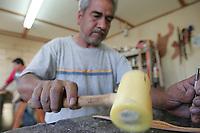TambiŽn tienen su lujo<br />Francisco Moreno  da los toques art'sticos a las monturas  con sus dise–os trabajando la baqueta con martillo y cincel a de mas de su creatividad grabado a base la tencina de golpe