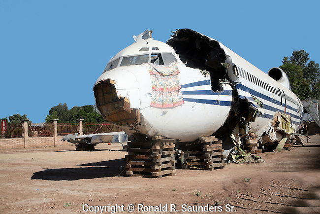 AIRPLANE CRASH (3)<br /> <br /> The WRECKAGE of a VINTAGE BOEING 727 AIRCRAFT is SEEN on the DESERT FLOOR NEAR MEXICALI, BAJA CALIFORNIA, MEXICO, AFTER it WAS DELIBERATELY CRASH LANDED in ORDER to GATHER SAFETY DATA for a DOCUMENTARY VIDEO to be SHOWN on the DISCOVERY CHANNEL
