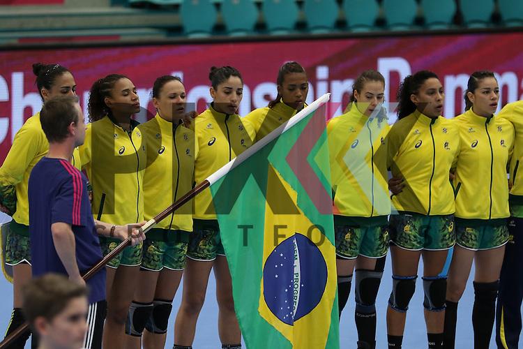 Kolding (DK), 07.12.15, Sport, Handball, 22th Women's Handball World Championship, Vorrunde, Gruppe C, DR Kongo-Brasilien :<br /> <br /> Foto &copy; PIX-Sportfotos *** Foto ist honorarpflichtig! *** Auf Anfrage in hoeherer Qualitaet/Aufloesung. Belegexemplar erbeten. Veroeffentlichung ausschliesslich fuer journalistisch-publizistische Zwecke. For editorial use only.