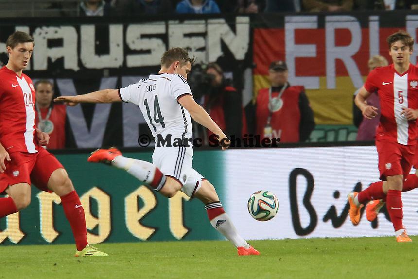 Oliver Sorg (D) zieht ab - Deutschland vs. Polen, WM-Vorbereitung Testspiel, Imtech Arena Hamburg