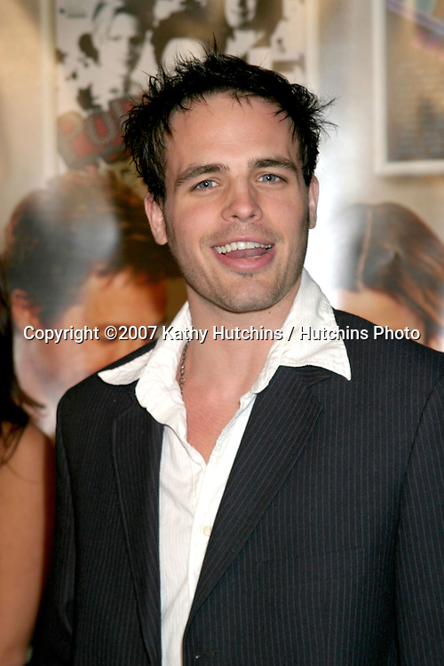 "Al Santos.""Music & Lyrics"" Premiere.Mann's Grauman Theater.Los Angeles, CA.February 7, 2007.©2007 Kathy Hutchins / Hutchins Photo."
