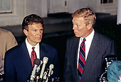 United States Senate Minority Leader Tom Daschle (Democrat of South Dakota), left, and US House Minority Leader Dick Gephardt (Democrat of Missouri) speak to reporters outside the White House following a late night meeting on the budget in Washington, D.C., Monday, November 13, 1995 . <br /> Credit: Ron Sachs / CNP