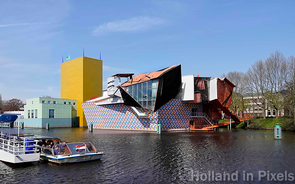 Nederland Groningen 2019. The Groninger Museum is an art museum in the city of Groningen The museum exhibits modern and contemporary art of local, national, and international artists. The current post-modernist building consists of three main pavilions designed individually by architects Philippe Starck, Alessandro Mendini, Coop Himmelb(l)au, and was completed in 1994. Foto Berlinda van Dam / Hollandse Hoogte