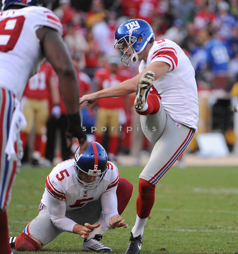 LAWRENCE TYNES, of the New York Giants, in action during the Giants game against the San Francisco 49ers on November 13, 2011 at Candlestick Park in San Francisco, CA. The 49ers beat the Giants 27-20.
