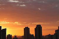 S&Atilde;O PAULO, SP, 05/01/2012, CLIMA TEMPO.<br /> <br /> S&atilde;o Paulo amanheceu com poucas nuvens nessa manh&atilde; de quinta-feira(5).<br /> <br />  Luiz Guarnieri/ News Free
